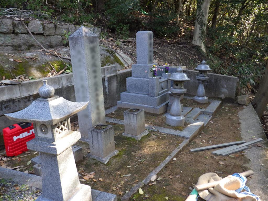 2018年3月施工 広島県安芸郡府中町 D様 9寸3重台+灯篭+墓誌+石柱 墓じまい